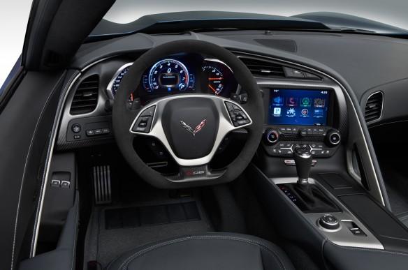 2015-Chevrolet-Corvette-Z06-Convertible-cockpit