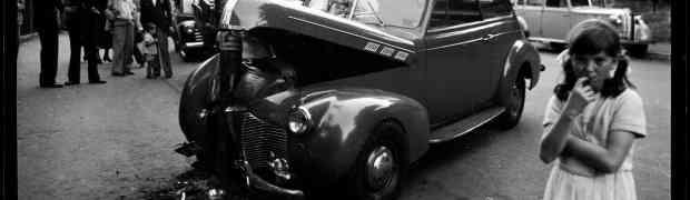 Vehículos antiguos accidentados