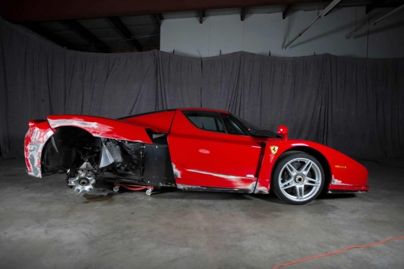 Ferrari-Enzo-accidentado