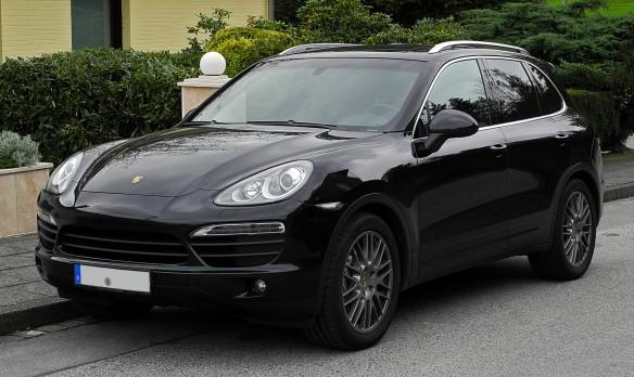 Porsche_Cayenne_S_(92A)_–_Frontansicht,_10._Oktober_2011,_Wülfrath